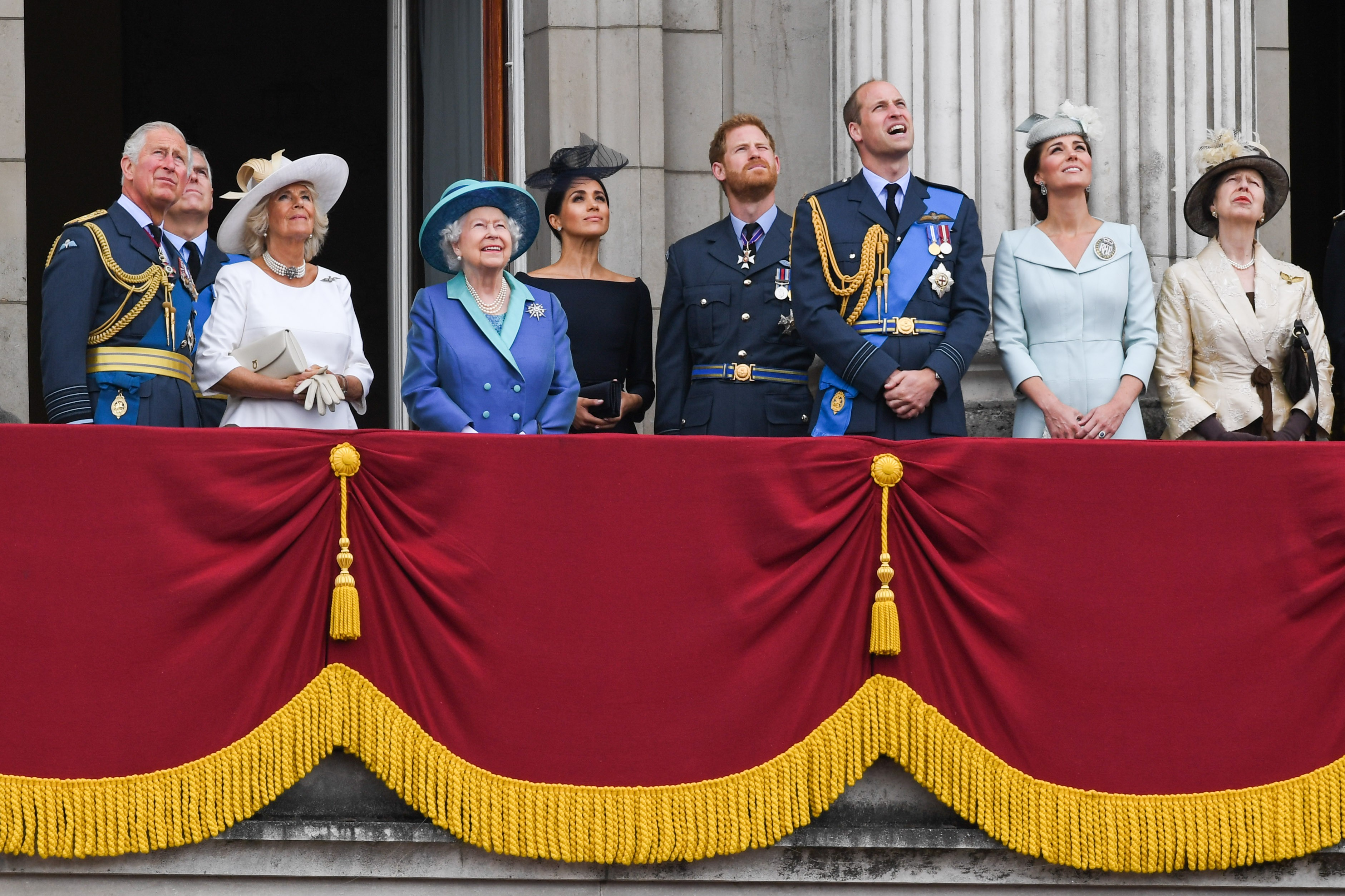 Queen Elizabeth II at a royal event with Prince Charles, Prince William, Duchess Kate Middleton, Prince Harry and Duchess Megan Markle and other members of the British Royal Family (Photo: Getty Images)