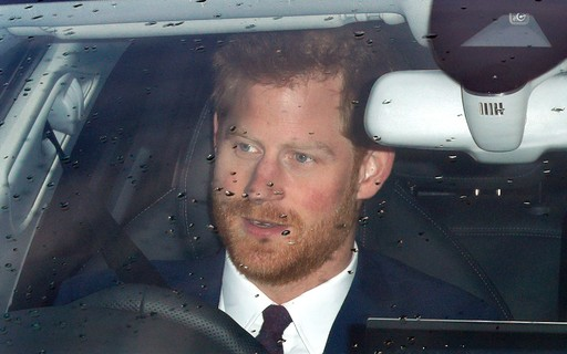 Prince Harry arrives in England two days after the death of his grandfather, Prince Philip - Monet
