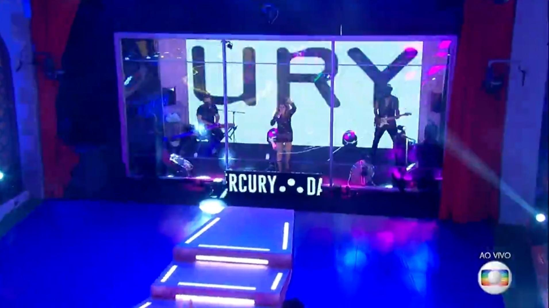 BBB 21: Daniela Mercury rocks a party