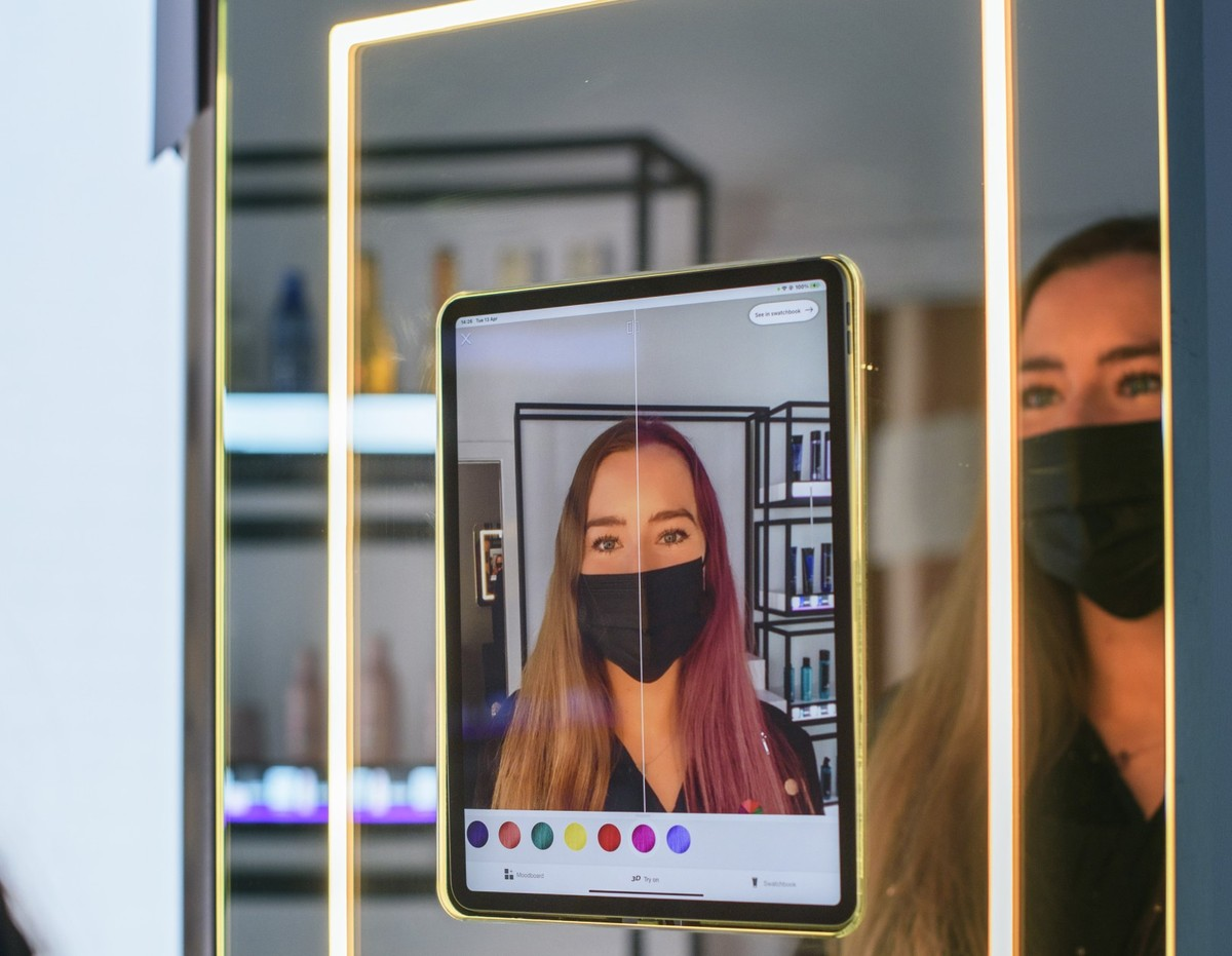 Amazon Opens Hair Salon in UK with Look-Predicting Technology |  innovation