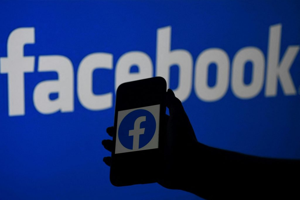 Facebook opens more than 40 vacancies for Latin America