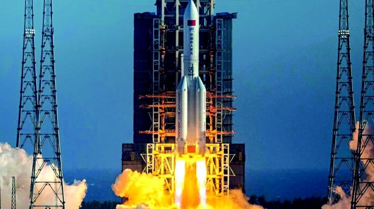 An uncontrolled Chinese missile could cause rain of debris in several Alam cities