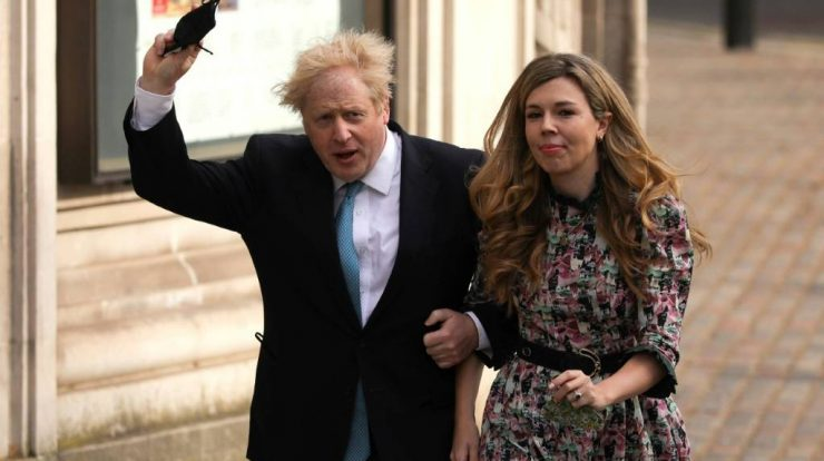 """Newspapers reported that Boris Johnson marries """"secretly""""."""