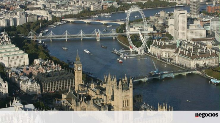 Brexit: More than 346,000 Portuguese have UK residency status - Europe