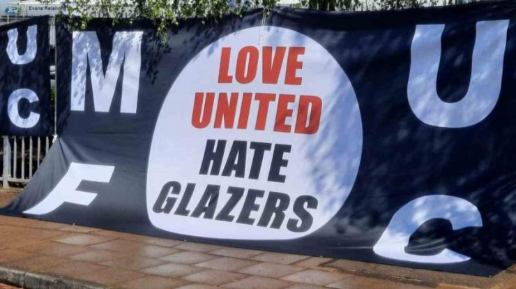 Manchester United fans protest the departure of the club owners