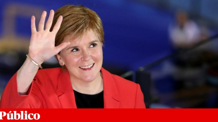 Pro-independence parties secure majority in Scottish parliament |  UK