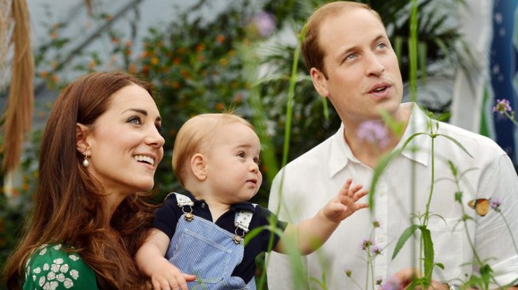 Fotografia de Kate Middleton, Príncipe William e o pequeno Príncipe George