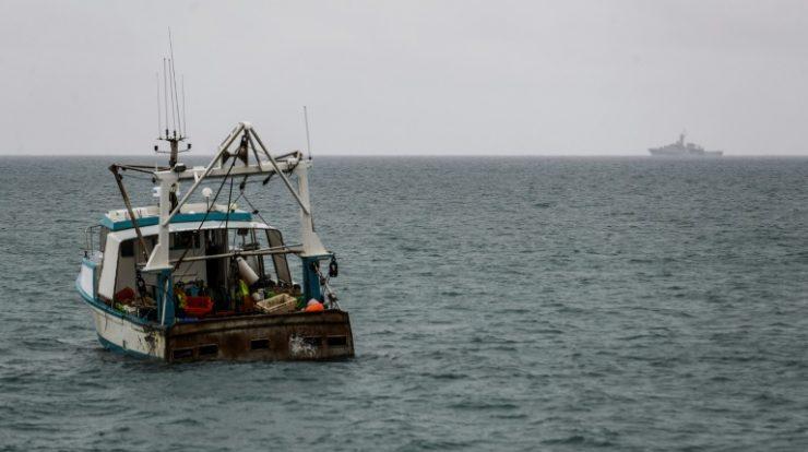 Reino Unido e França enviam patrulhas à ilha de Jersey, bloqueada por pescadores