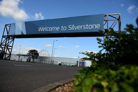 Silverstone welcomes Formula 1 to a hot, sunny Saturday for a sprint race