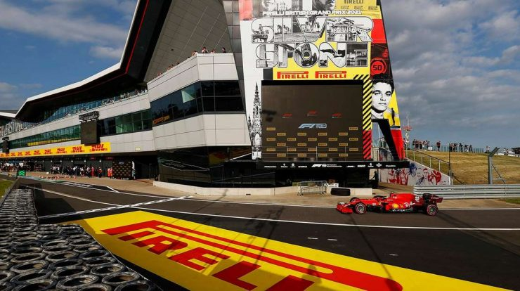 Silverstone is having a sunny day for its first Formula 1 race in 2021