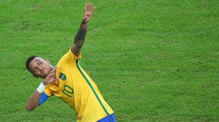 Neymar celebrates the first goal of the Brazilian national team like Usain Bolt in the Maracana - Reuters / Murat Sezer - Reuters / Murat Sezer