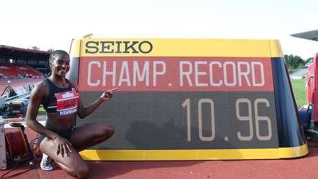 In the women's 100 metres, the 11-second barrier was also broken often