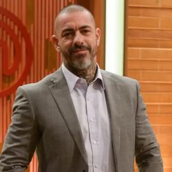 """Henrique Fogaça is hospitalized after collapsing on the recording of """"MasterChef"""""""
