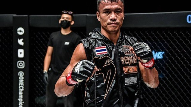 Brazilian martial arts fans can watch ONE Championship duels on Friday (3);  paying off