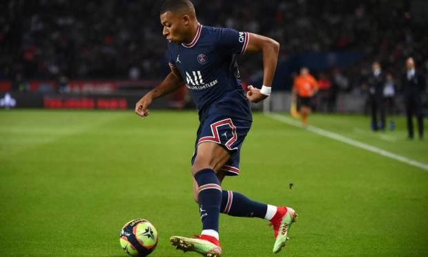 Fourth - Kylian Mbappe from Paris Saint-Germain.  $43 million - R$227.1 million Photo: FRANCK FIFE / AFP
