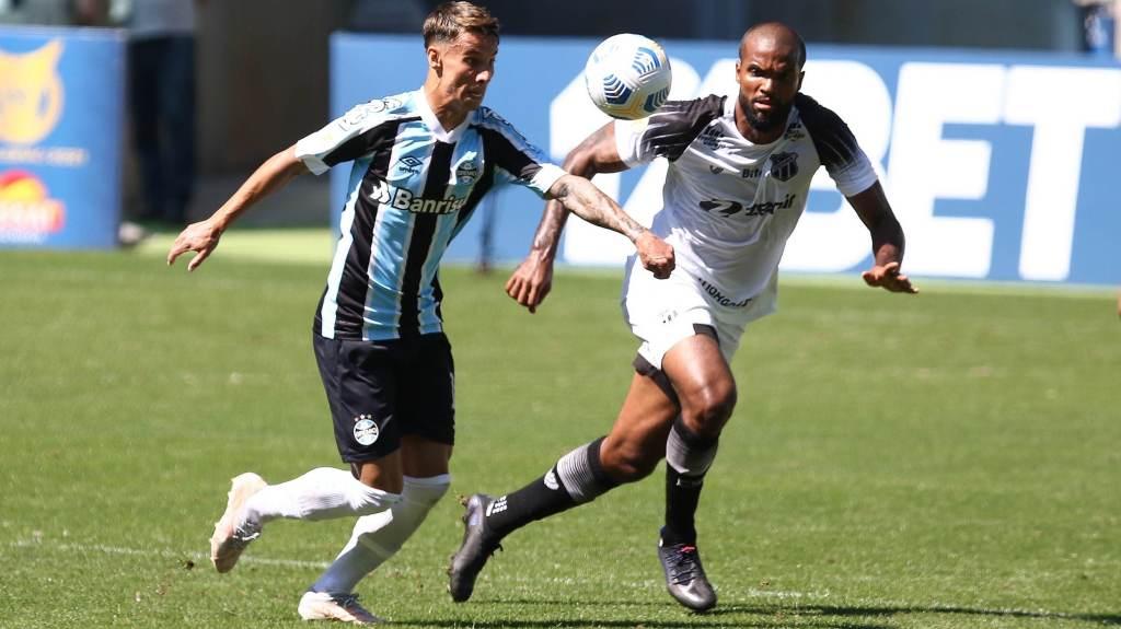 At home, Grêmio beat Ceará 2-0 on Sunday (12)