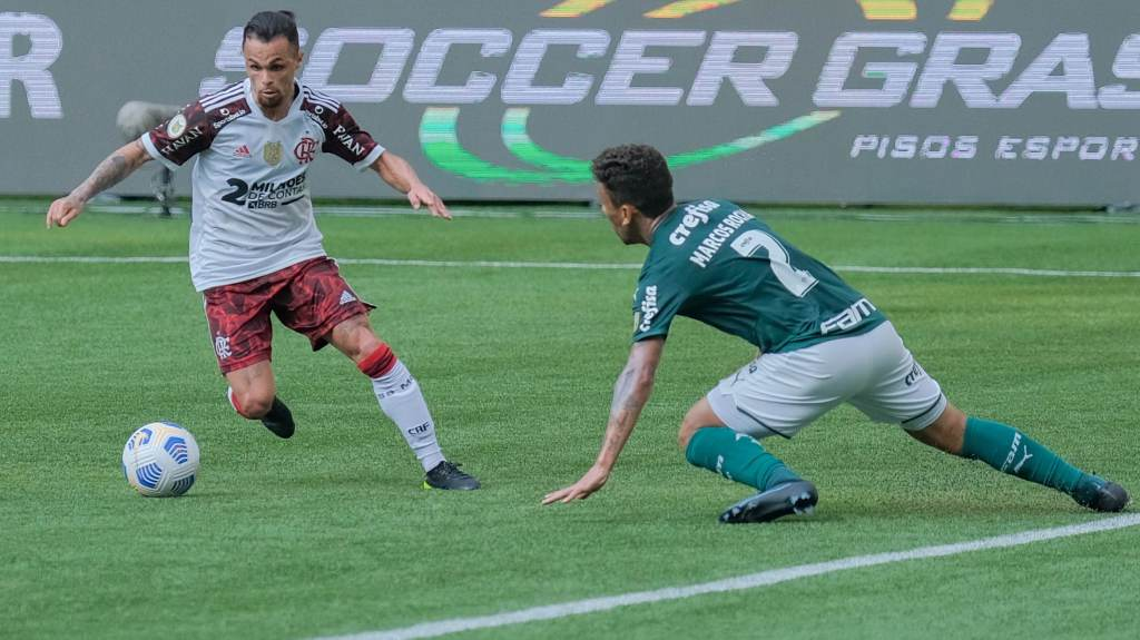 Flamengo and Palmeiras faced each other in Sao Paulo