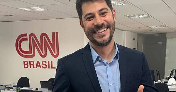 Evaristo Costa discovered CNN's resignation while watching the channel at home