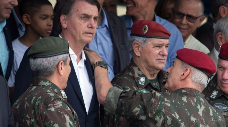 Military personnel use Thatcher's phrase to say Bolsonaro is 'bad and will pass'