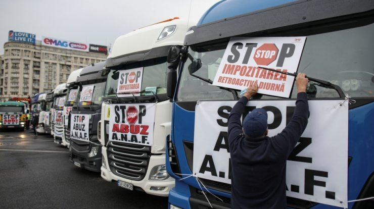 Romanian truck drivers dissatisfied with taxes plan to move to the UK