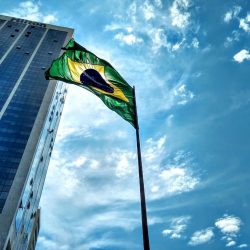 The Municipal Protection Department returns the historic flags to Rio de Janeiro City Hall