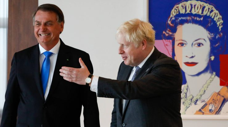 COLO 26 - 02/10/2021 Bolsanaro government pressures UK to relax health rules - World