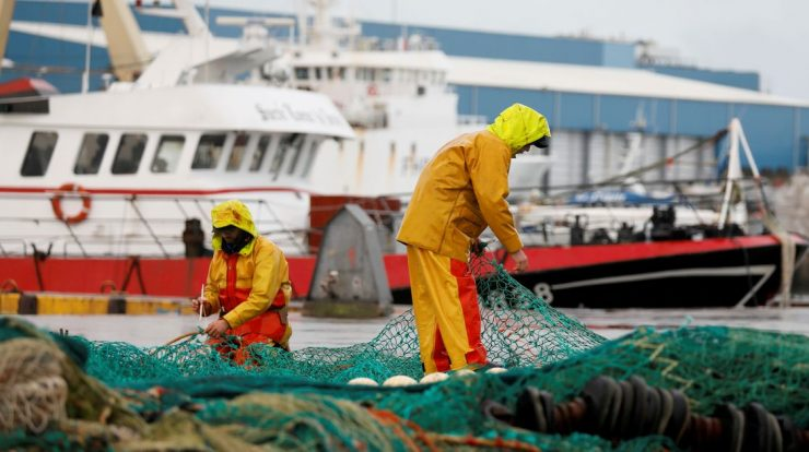 France publishes sanctions list if UK withholds fishing licenses