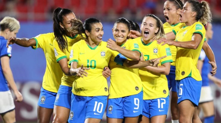 Study shows sports fans want to watch more women's football