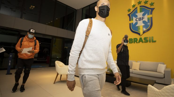 The government responds to the request of the Brazilian Confederation, and the summonses from England leave the airport directly to focus in Granja |  Brazilian national team